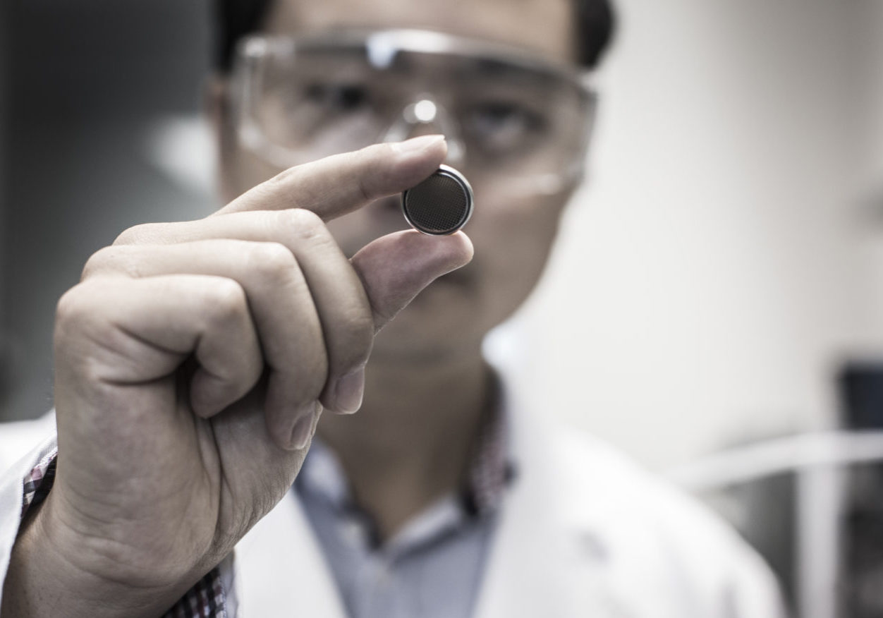 A University of Wollongong led project, developing a game changing sodium battery technology to help drive increased use of renewable energy.